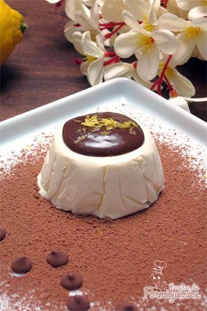 Semifreddo é a versão italiana macia e suave de um sorvete e esse de limão siciliano fica incrível!