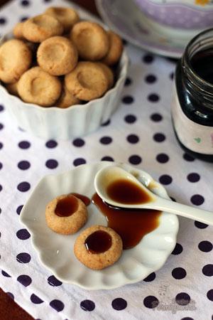 Biscoitinho doce para acompanhar o café da tarde.. Pode ser recheado com geleia, nutella ou que preferir!!!