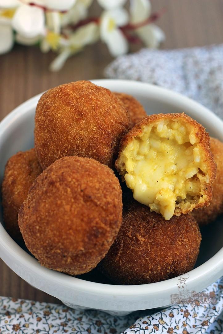 Melhor do que risoto são esses bolinhos de risoto chamados Arancinis... Surpreenda-se!