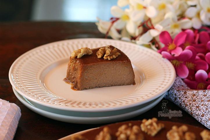 Sabor suave de nozes misturado a leveza do chocolate em uma massa densa e extremamente saborosa. Quem vai resistir a esse pudim de nozes?