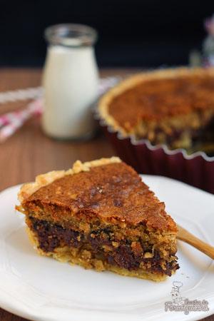 Casquinha de torta crocante com recheio de cookie de chocolate. Quer mais? Acrescente uma bola de sorvete ou uma dose de chantilly e seja feliz como nunca!