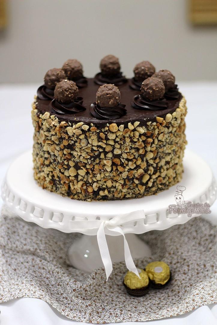 Muita avelã e Nutella nesse Bolo Ferrero Rocher! Não tem como não querer!!!!