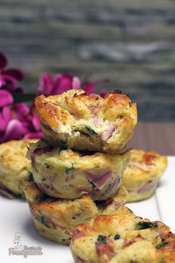 Muffin salgado feito com pão de forma! Simples, prático, rápido e incrivelmente delicioso!! Muffin Salgado de Pão de Forma....